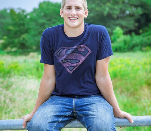 Isaac {senior pictures}